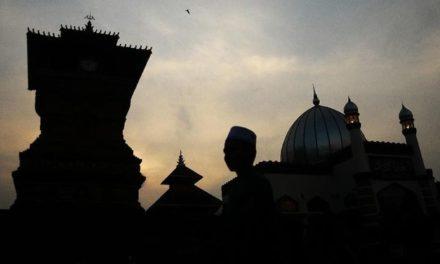 Islam adalah Agama Tawassuth
