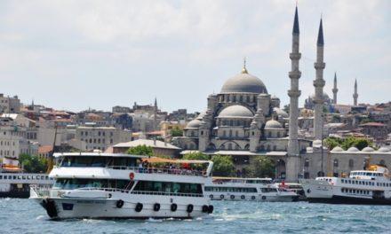 Menelusuri Keindahan Eropa dan Asia di Selat Bosphorus Istanbul